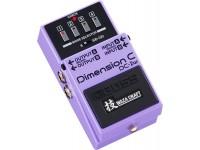 Pedal de Efeito Chorus  BOSS DC-2W Pedal Dimension Chorus - Edição Especial Waza Craft Vuelve el auténtico efecto Dimension de BOSS y Roland, ¡ahora más versátil que nunca! Diseñado con la tradición analógica premium de Waza Craft, el DC-2W ofrece una recreación de sonido perfecta del pedal DC-2 Dimension C original, pero también del legendario efecto de rack de estudio SDD-320 Dimension D en el que se basó. El DC-2W incluye la misma interfaz intuitiva y predefinida de cuatro botones que se encuentra en los efectos originales de la década de 1980, pero ahora evolucionó con conmutación electrónica que desbloquea una multitud de variaciones de sonido que no están disponibles en las unidades antiguas.