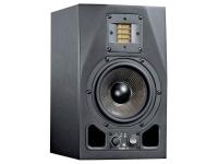 """Adam A5X   Monitor Estúdio Adam A5X  Efeitos: Crossover: 2.5 kHz  Equalizador (High ±6 dB/Low ±6 dB)  Tweeter Gain (±4 dB)  Potência máxima: 150W  Potência: 150W - Biamplificado (Woofer: 75W, Tweeter: 75W)  Tweeter: 2''  Woofer: 5.5"""" (Fibra de Carbono)  Sensibilidade: 14 dB  Load: 110 dB."""