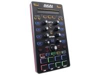 Akai AFX   Akai AFX - Controle extensivo de áudio do Serato DJ  FX, Loops, Cue Points  Suporta Serato Flip para a criação de remixes personalizados no estúdio ou no clube  Controle até 4 plataformas através de uma única conexão USB  9 controles ativados por toque para matanças de EQ e varreduras de filtro  8 almofadas de gatilho sensíveis à velocidade com retroalimentação RGB retroiluminada  10 modos Pad para ativar Hot Cues, Loops e Slices  Alimentado por USB  Inclui pacote de expansão Serato Flip  Dimensão: 42 x 271 x 134 mm