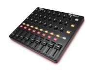 Akai Midimix  Controlador Midi Akai Midimix  8 faders de línea individuales, 1 fader maestro  24 botones, combinaciones de 3 por canal  16 botones en 2 bancos con grabación de silencio, solo y canal  Ableton Live Lite incluido
