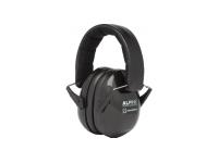Alpine EARMUFFS  O peso leve deAlpine EARMUFFS MusicSafe Earmuff é especialmente para músicos que são regularmente expostos a música alta. Por exemplo, ele abafa 25 dB do som criado ao tocar bateria. Com este nível de atenuação, seus ouvidos estão bem protegidos e você pode tocar confortavelmente seu instrumento favorito! Os protetores de ouvido são ideais para praticar, ensaios, performances ou aulas de música. A cabeça é feita de um tecido macio para que você possa usá-lo com o conforto ideal. As almofadas circunjacentes à orelha macia aplicam conforto extra para garantir que suas orelhas estejam confortavelmente protegidas. Os protetores de ouvido resistentes e legais são dobráveis e, portanto, fáceis de levar para uma aula de música, espaço de ensaio, estúdio ou show. Os protetores de ouvido encaixam bateristas jovens e velhos por causa da faixa ajustável.
