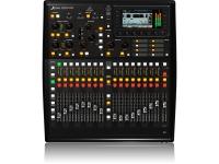 """Behringer X32 Producer  A X32 PRODUCER é uma Consola de Mistura Digital com 40 canais de input e 25 bus com 16 Preamps MIDAS programáveis, 17 faders monitorizados e um formato ideal para profissionais ou estúdios caseiros. O ecrã TFT de alta resolução, 5"""" permite uma visibilidade total da mistura, FX e medições. Pode ser montado num suporte através do kit de Rack incluído. É possível fazer a mistura de modo remoto usando um iPad ou Laptop."""