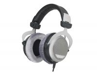 Beyerdynamic DT-880 Pro    Auscultadores de referência semi-abertos  Freq. de resposta: de 5Hz a 35 KHz  Impedância 250 ohms  Carga: 96 dB/SPL  Peso 295g