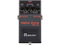 """Pedal de distorção analógica Boss MT-2W Metal Zone   Equipado com um circuito duplo de ganho, o MT-2 proporciona """"sustain"""" incrível, além de graves e médios pesados como o obtido com uma """"stack"""" de amplificadores valvulados. Com o equalizador paramétrico de três bandas, diferentes texturas de distorção ficam sob o comando do guitarrista."""