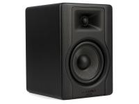 """M-Audio BX5 D3 B-Stock    M-Audio BX5 D3 Monitor de estúdio ativo de 2 vias near-field  Tweeter: 1"""" (25 mm) 60 W seda dome  Woofer: 5"""" (127 mm) 40 W woofer com cone de kevlar  Amplificador: 100 Watt RMS Bi-Amp Class A / B  Pressão de som (max SPL): 110 dB  Crossover: 2 kHz  Outros ajustes de som: Acoustic Space  Intervalo de frequência: 52 - 35000 Hz  Entradas: XLR balanceada, entrada jack balanceado  Sensibilidade de entrada: sinal de entrada 85 mV (ruído rosa) produz níveis de saída de 96 dBA (pressão de som a 1 m e volume no máximo)  Nível máximo de entrada: 21 dBu  Impedância de entrada: 20 kOhm balanceada, 10 kOhm não balanceada  Circuitos de proteção: sobre-aquecimento, circuito de proteção transiente e subsónico, limitador de corrente de saída, escudado contra interferência RF  Controlos: controlo de volume, seletor Acoustic Space  Chassis: MDF revestido a vinil  Consumo: 100 W  Alimentação: interna 100 - 120 V / 220 - 240 V; 50/60 Hz  Inclui pads de espuma acústicos  Dimensões: 254 x 176 x 197 mm  Peso: 6 kg  Tamanho do altifalante: 1x 5"""", 1x 1""""  Potência do amplificador por unidade (RMS): 100 W  Escudo magnético: Sim  Entrada XL analógica: Sim  Entrada analógica (Jack): Sim  Entrada analógica (Mini Jack): Não  Entrada analógica (RCA): Não  Entrada digital: Não  Correção de frequência manual: Sim"""