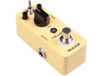 """Mooer Acoustikar   Pedal de Guitarra Mooer Acoustikar   3 Modos de funcionamento: Piezo/Standard/Jumbo  3 Modos de peak para escolher  Chassis todo em metal  Muito pequeno e requintado  Verdadeiro bypass  Entrada: jack mono 1/4"""" (impedância: 1M Ohms)  Saída: jack mono 1/4"""" (impedância: 1K Ohms)  Requisitos de alimentação: Adaptador AC 9V DC (center minus plug)  Consumo: 17 mA  Dimensões: 93.5 mm (P) × 42 mm (L) × 52 mm (A)  Peso: 160g"""
