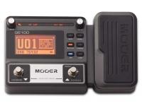 Mooer GE100 Box Guitar Multi FX   Mooer GE100 Box Guitar Multi FX   Display LCD de alto brilho    8 módulos de efeitos com 66 tipos diferentes de efeitos    23 tipos de distorções com 7 simuladores de amplificadores    80 presets de fábrica e 80 presets para ajustes pessoais    40 ritmos de baterias e 10 tipo de ritmos de metrônomos    Tap tempo    Looper de 180 segundos    Dicionário de escalas e acordes    Funciona com fontes de 9 VDC ou 4 pilhas AA    Pedal de Expressão    Portátil e leva para fácil transporte    Interface compacto com o usuário