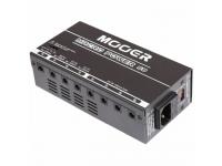 Mooer Macro Power   Mooer Macro Power   Multi-alimentador para pedais;    8 Saídas de para conectores 2.5 mm x 5.5mm;    Polaridade: (-) no centro;    1x Voltagem ajustável +(9V, 12V, 15V, 18V) @200mA;    3x Saídas independentes de 9VDC @ 200mA cada;    4x Saídas paralelas de 9VDC @ 400mA combinadas;    Entrada AC seleccionável: (110V~120V and 220V~240V) para uso em diferentes regiões do planeta;    Inclui fusíveis para os diversos tipos de voltagem, LED de status para cada output, protecção contra sobre-tensão, fitas para colocação e jacks DC;    Dimensões: 165 x 83 x 52mm;    Peso: 1,12kg.