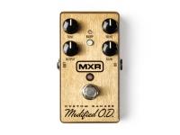 """MXR M77 Custom Badass Modified O.D   Pedal de Guitarra MXR M77 Custom Badass Modified O.D  Pedal de efeitos  Pedal analógico de distorção  Pedal M78 modificado com controlo de 100Hz Cut e boost   Controlo para saída, timbre e distorção    Seletor """"Bumb"""" engata sonoridade alternativa para um boost low e mid-range    2 LED de status    Funciona com pilha de 9V ou adaptador AC Dunlop ECB-003 (opcional, não incluído)    Fabricado nos EUA"""