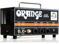 Orange DARK TERROR  Pequeño, fácilmente reconocible, este pequeño amplificador naranja agresivo viene con un sonido alucinante. Este amplificador similar a Frankenstein tiene una gran ganancia con una receptividad inquietantemente agradable. ¡Es brutal, intransigente, desequilibrado, incluso feroz! Terror of Darkness resurge desde las profundidades para satisfacer todos los deseos de los guitarristas de heavy metal y rock.