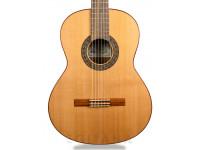 Guitarra Clássica (adulto) 4/4 Paco Castillo 202  Tapa: cedro canadiense macizo  Parte inferior y lateral: sapeli laminado  Mástil: caoba africana