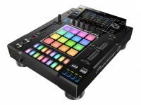 Pioneer DJ DJS-1000   Eleve todos os padrões, conheça o sampler independente DJS-1000 da Pioneer DJ. Uma interface intuitiva para aplicações de DJ com funções poderosas para improviso criativo com características únicas