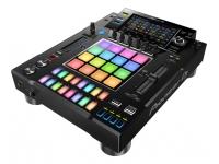 Pioneer DJ DJS-1000 B-Stock   Eleve todos os padrões, conheça o sampler independente DJS-1000 da Pioneer DJ. Uma interface intuitiva para aplicações de DJ com funções poderosas para improviso criativo com características únicas