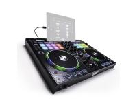 Reloop Beatpad 2  Controlador DJ profissional para iPad, Mac e PCReloop Beatpad 2  Interface de clube de áudio USB integrada de 4 canais  Compatível com todos os iPads Lightning de 8 pinos com o iOS 7+, Android 5.0+  Suporte para iPad integrado  Adaptador de relâmpago de 8 pinos incluído