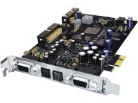 RME HDSPe AIO  RME presenta la interfaz de audio PCI Express más versátil del mundo: HDSPe AIO . Esta tarjeta hace realidad el sueño de una solución todo en uno para todas las aplicaciones posibles. La interfaz Advanced-Input-Output brilla con los últimos convertidores AD y DA de 192 kHz, con una relación señal / ruido superior a 112 dB. Por primera vez, todas las entradas y salidas están operativas simultáneamente, incluso SPDIF (phono) y AES / EBU (XLR). Las entradas y salidas analógicas adicionales de alta calidad se pueden agregar fácilmente mediante tarjetas de expansión económicas. Por supuesto, TotalMix, el inigualable mezclador de enrutamiento flexible y SteadyClock, la sensacional tecnología de reloj de RME con supresión de jitter máxima de señales de reloj externas, también están presentes. HDSPe AIO también admite el TCO opcional para la sincronización con el código de tiempo (LTC / video). Todo esto combina una 'tarjeta de sonido' profesional que el mundo nunca había visto antes.  El HDSPe AIO es la versión PCI Express recientemente desarrollada del HDSP 9632. Un nuevo núcleo PCI Express recientemente desarrollado aprovecha en consecuencia el nuevo formato, logrando ganancias de rendimiento significativas en audio multipista y menor latencia. Gracias a la tecnología segura de actualización flash de RME, las mejoras de firmware, los ajustes y las correcciones se pueden instalar fácilmente en cualquier momento.