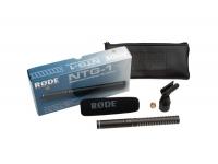 Rode  NTG1    Idealmente para filmes / TV / vídeo    Padrão polar: super cardióide    Conector XLR    Requer phantom power P48 (44 - 52 V)    Faixa de freqüência: 20 - 20.000 Hz, @ 80 Hz 12 dB / oitava,    Max. SPL: 139 dB    Impedância de saída: 50 Ohm    Dimensões: 219 x 22 x 22 mm    Peso: 105 g    Incl. pára-brisa e braçadeira        Microfone de condensador shotgun, concebido para aplicações profissionais em filme, video, televisão e captação de locuções in sito.    Possui um estádio de saída balanceado e necessita de Phantom Power (+ 48 V).  Padrão super-cardióide, grande frequência de resposta, baixo ruído próprio e um preço muito apetecível. O Røde NTG-1 traz o cachimbo para microfone e o protector de espuma.