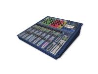 Soundcraft SiEx1   Soundcraft SiEx1  Pré-amplificadores de MIC da renomada série Vi;  EQ Soundcraft 4 faixas em todas as entradas e saídas;  Iluminação Fader Glow™ em todos os potenciômetros;  EQ Gráfico Bss™ em todas as saídas bus e matrix;  Bus Central/Mono independente;  Processadores Quad Lexicon™ FX;  tOTEM™ (The One Touch Easy Mix) que ajusta instantaneamente a superfície do console conforme sua necessidade para criar mixes de modo rápido e fácil;  Saídas iluminadas;  Entrada de cartão operacional de 64 entradas X 64 saídas totalmente compatíveis com todos os cartões da série Si;  Compatibilidade HiQnet;  Superfície de controle é coberta por policarbonato ultra resistente contra desgaste e rachaduras;  Não há camadas de controle no canal, todos os controles estão disponíveis o tempo todo;«  Tela colorida sensível ao toque;  4 grupos Mute;  Até 66 canais para mixar;  Canal e Bus ISOLAR;  35 buses, 25 mixes separados;  4 mixes Matrix que podem operar em mono ou estéreo;  14 mixes Aux, 6 deles podem operar em mono ou estéreo;  6 entradas estéreo;  4 camadas de potenciômetro atribuíveis ao usuário;  Dimensões (A x L x P): 168,00 x 482,00 x 520,00mm;  Peso: 11,8kg.