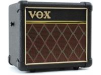 Vox  Mini 3 G2 CL  Diseñados para el guitarrista en movimiento, los amplificadores VOX MINI ofrecen una gran cantidad de características en un paquete compacto y portátil. Con el diseño y la apariencia de los amplificadores VOX clásicos, los amplificadores VOX MINI son una solución excelente y práctica mientras estás en la carretera y proporcionan una manera fácil y elegante de llevar tu música a la calle. ¡Disponibles en variedades de 3 y 5 vatios, los amplificadores VOX MINI tienen varios modelos de amplificación cuidadosamente desarrollados y varios efectos internos de alta calidad!