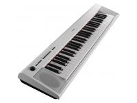 Yamaha NP-12 WH  Excelente sonido en un formato compacto y liviano: la nueva serie de teclados portátiles Piaggero NP es una combinación perfecta de elegancia y simplicidad.  64 notas de polifonía, doble función / capa, reverberación,  10 voces / 10 canciones de demostración,  Personas  Nuevo sonido Stereo Piano Grand,  10 sonidos,  Transpositor  Función de grabación,  Utilizable con baterías o fuente de alimentación,  2 x altavoces de 2.5 W,  Conectividad: pedal de sostenido,  Enlace de auriculares,  USB a host,  Incluye música de descanso y comida (PA-130)  Dimensiones 1036 x 105 x 259 mm,  Peso 4, 5 kg,  Color: negro  Modelo después de Yamaha NP-11