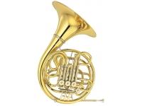 Yamaha YHR 668 D II   Esta trompa de orquestra foi projetada para os músicos que preferem o som forte de um grande instrumento de campana. Caracterizado por tons profundos e apaixonantes, o modelo 668 apresenta centros de nota seguros e entonação impecável. Ele está disponível em metal amarelo ou níquel prateado.